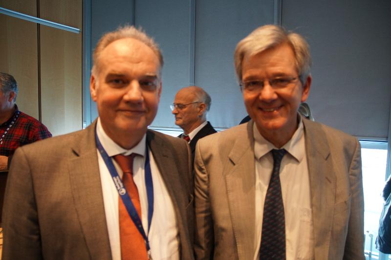 Prof. Uwe Truyen (links) hatte das Amt des  Kongresspräsidenten von Prof. Gotthold Gäbel  übernommen