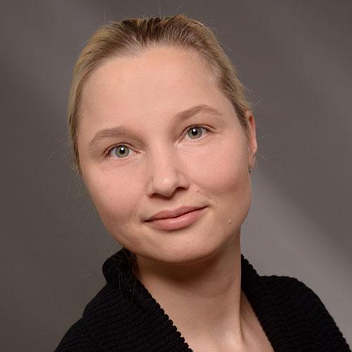 Dr.  Frauke Uhlendorf