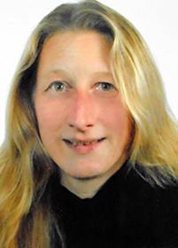 Dr.  Christina  Popp