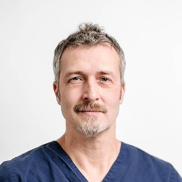 Dr.  Martin  Deutschland
