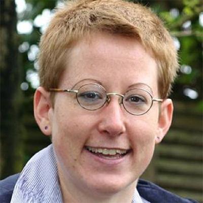 Dr.  Stefanie  Ott